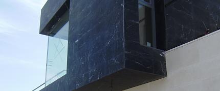 montaje-aplacados-fachadas-pegadas